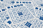 How do you play bingo cards?